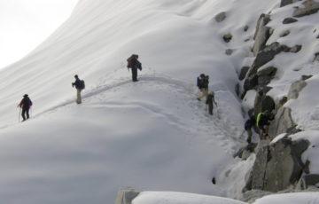 everest base camp chola pass via gokyo trek