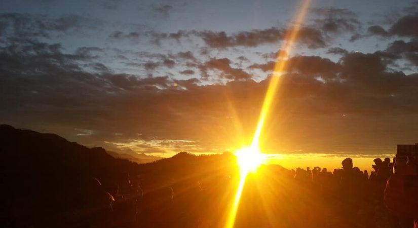 poon hill trek sunrise